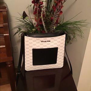 Michael Kors - Gloria metal pocket Crossbody bag